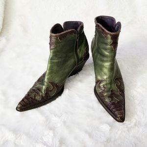 Donald J Pliner JOYA Western Ankle Booties SZ 8.5